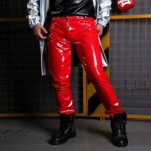 Kostiumy piosenkarka taniec Dj ubrania hip-hopowe mogą być dostosowane sceniczne męskie spodnie ze skóry lakierowanej męskie modne spodnie do fitnessu tanie tanio Ołówek spodnie Mieszkanie Poliester Faux leather PATTERN skinny L1577 Anglia styl Midweight Suknem Pełnej długości