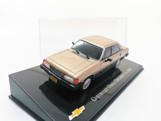 Ixo 143 1988 chevrolet opala diplomata 4.1 liga de metal diecast carros modelo veículos de brinquedo para crianças menino brinquedos presente