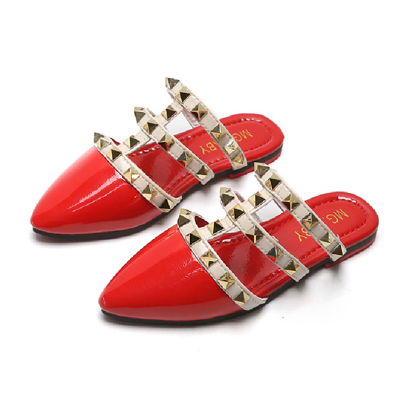 Girls Designer Shoes Retro Summer Children Sandals Princess Flats Patent Leather Kids Slippers Youth Girls Shoes New Arrival