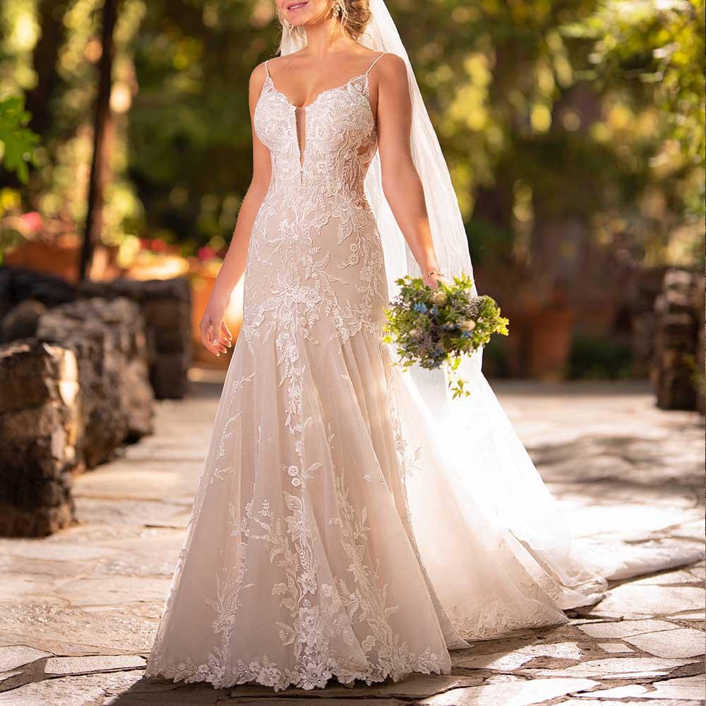 Lace Mermaid Wedding Dress 2019 Sexy V Neck Spaghetti Backless Lace Applique Chapel Train White Long Bride Dress Plus Size