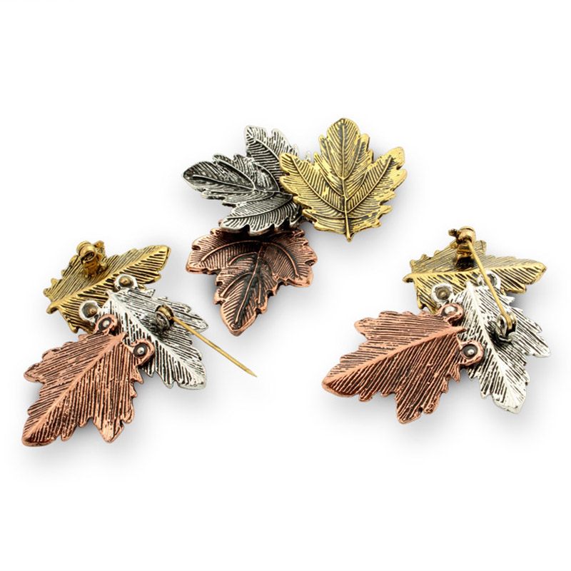 JUJIE Mini Canada Brooch Maple Leaves Brooches For Women 3 Color Metals Brooch Decorative Brooch Travel Souvenir Jewelry Gifts 5