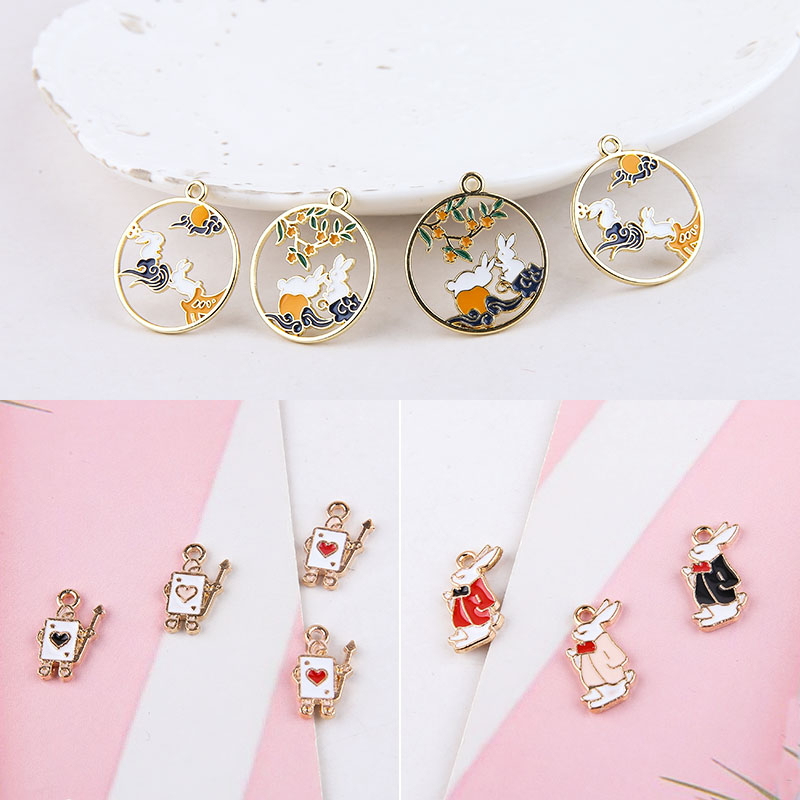 10pcs DIY handmade jewelry accessories alloy dripping oil Mr. Alice rabbit rabbit wreath accessories earrings material