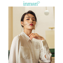 INMAN 2019 Autumn New Arrival Literary Retro Wave Piont Turn Down Collar Pearl Button All Matched Women Blouse