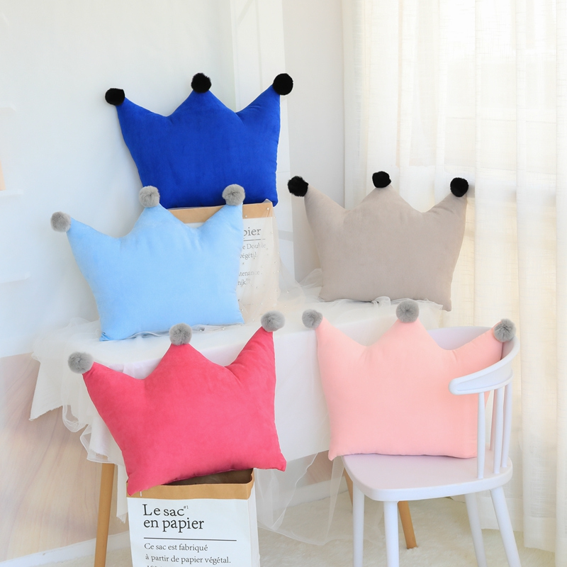 Crown Shaped Pillow Squishy Three Point