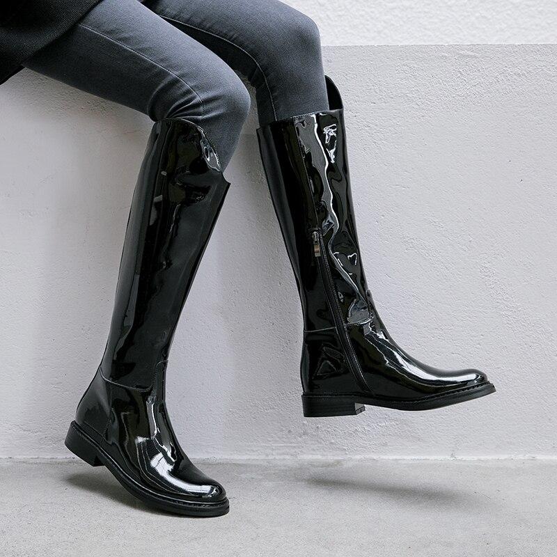 Prova perfetto feito à mão moda preto botas longas para mulher de couro de patente suave saltos baixos botas de motocicleta de cor sólida