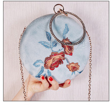 Angelatracy 2019 New Arrival Circular Wrist Bag Floral Cheongsam Classical Hanfu Circular Messenger Bag Day Clutch Hand Bags цены