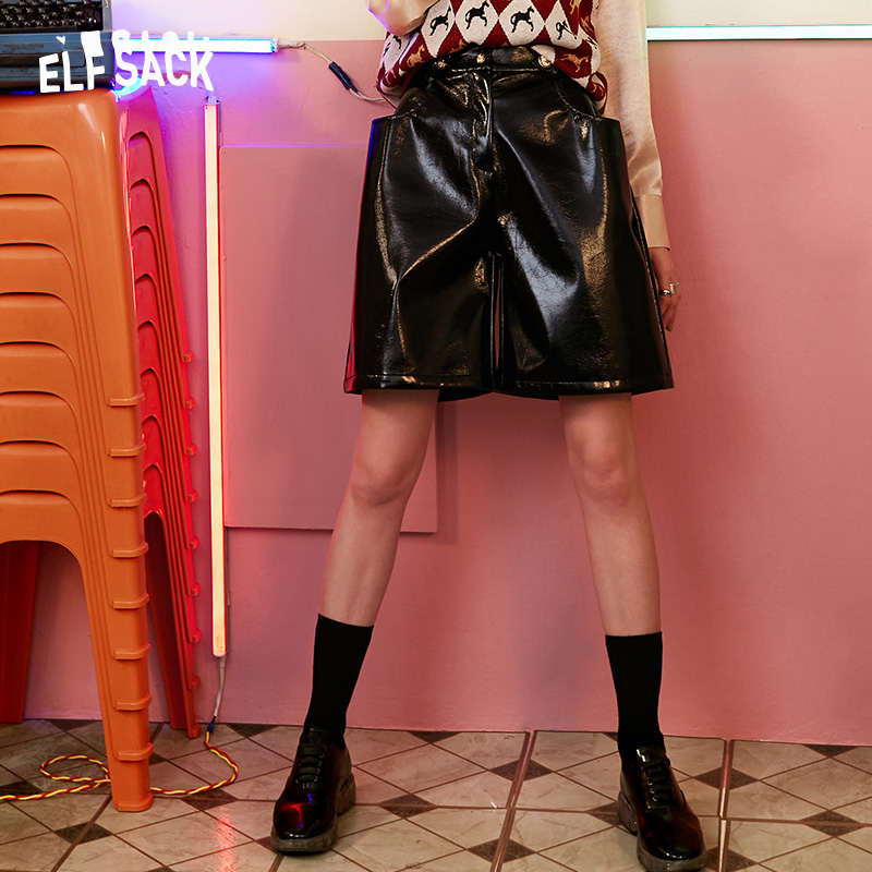ELFSACK Solid Mid Waist PU Shorts Women Clothes 2019 Ladies Highstreet Casual Vintage England Style Female Bottoms