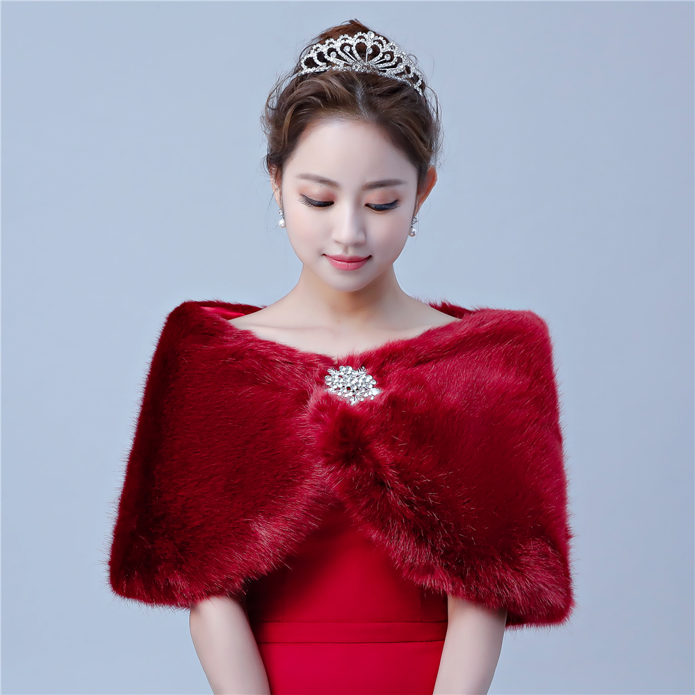 Winter Warm Fashion Short Cape Faux Fur Women Cover Up for Wedding Bridal Stole Shrug Fur Shawls with Rhinestone Brooches
