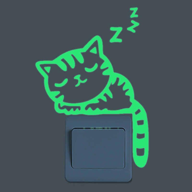 Aydınlık karikatür elektrik düğmesi çıkartması karanlık kedi yıldız Sticker ev çocuk odası dekor çıkartması kedi peri ay yıldız duvar kağıdı