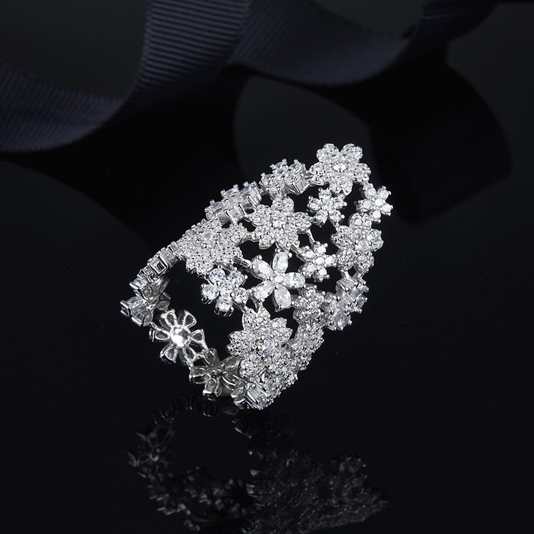 Luxe Monaco marque pleine de fleurs de cristal bague pour les femmes 925 en argent sterling Mirco Zircon fiançailles bague de mariage bijoux