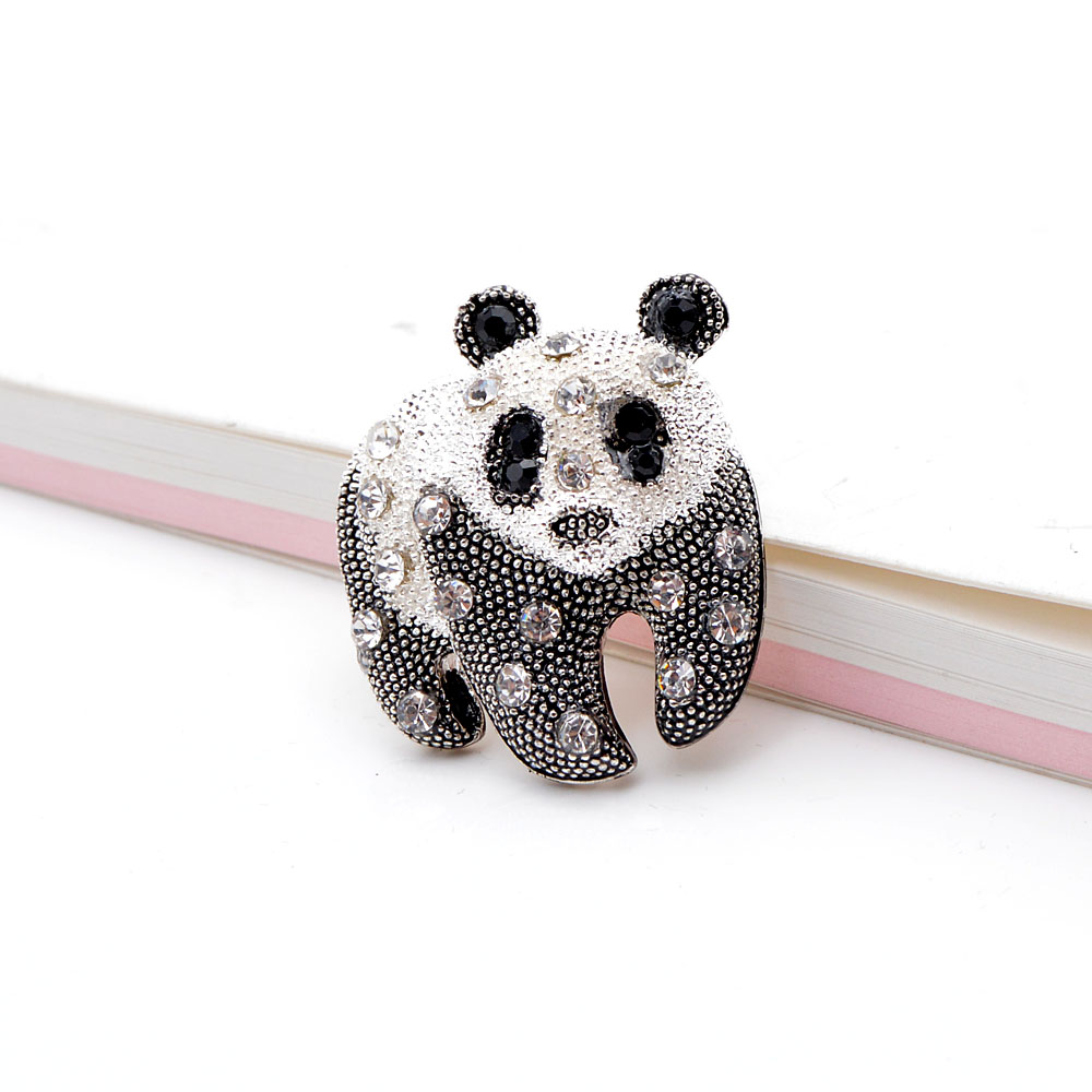 CINDY XIANG Black And White Color Panda Brooch Unisex Fashion Animal Design Brooch Rhinestone Jewelry High Quality New 2021 3