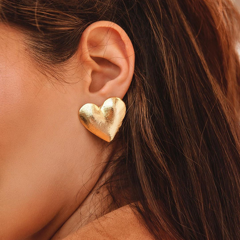 2020 New Fashion Lady's Chic Metal Earrings Silver Rose Gold Heart Stud Earrings For Women