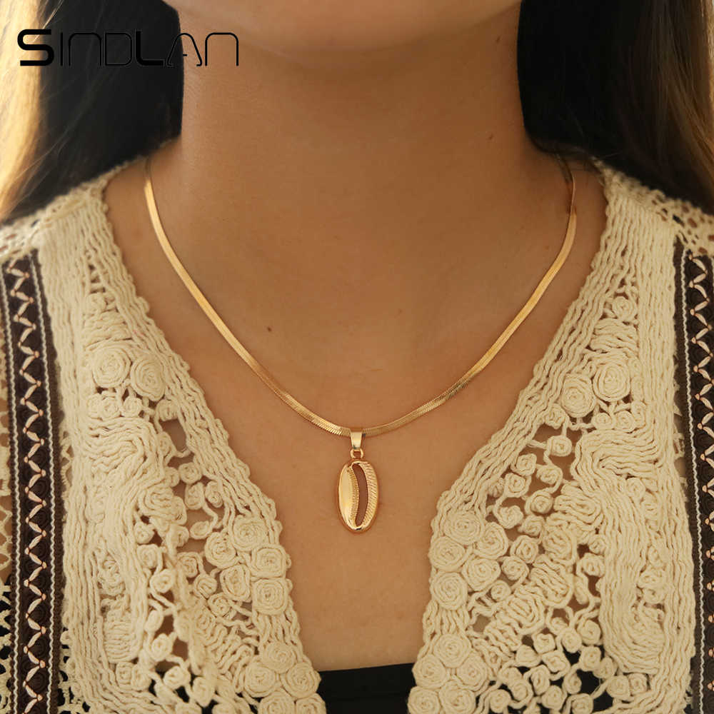 Sindlan Bohemian Shell Choker Simple Chain Necklace Summer Conch Pendant Silver Short Necklaces for Women Girls Boho Neck Jewel