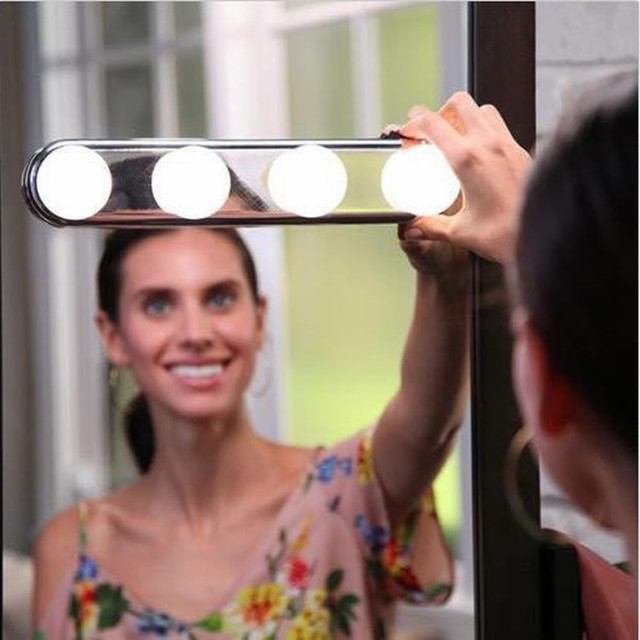 4 Bulb  Led Makeup Mirror Light Suction Cup Installation Dressing Table Vanity Light Bathroom Wall Lamp Battery Powered