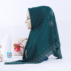 Image 4 - חדש לאומי סגנון פרל שיפון מוסלמי כיכר צעיף 105*105cm נשים של אופנה חרוזים כיסוי הראש
