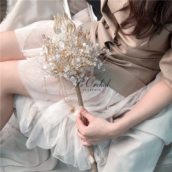 PEORCHID Luxury Handmade Crystal Scepter Holding Bouquet Wedding Flowers Artificial Pearls Rhinestone Bridal Bouquet Custom