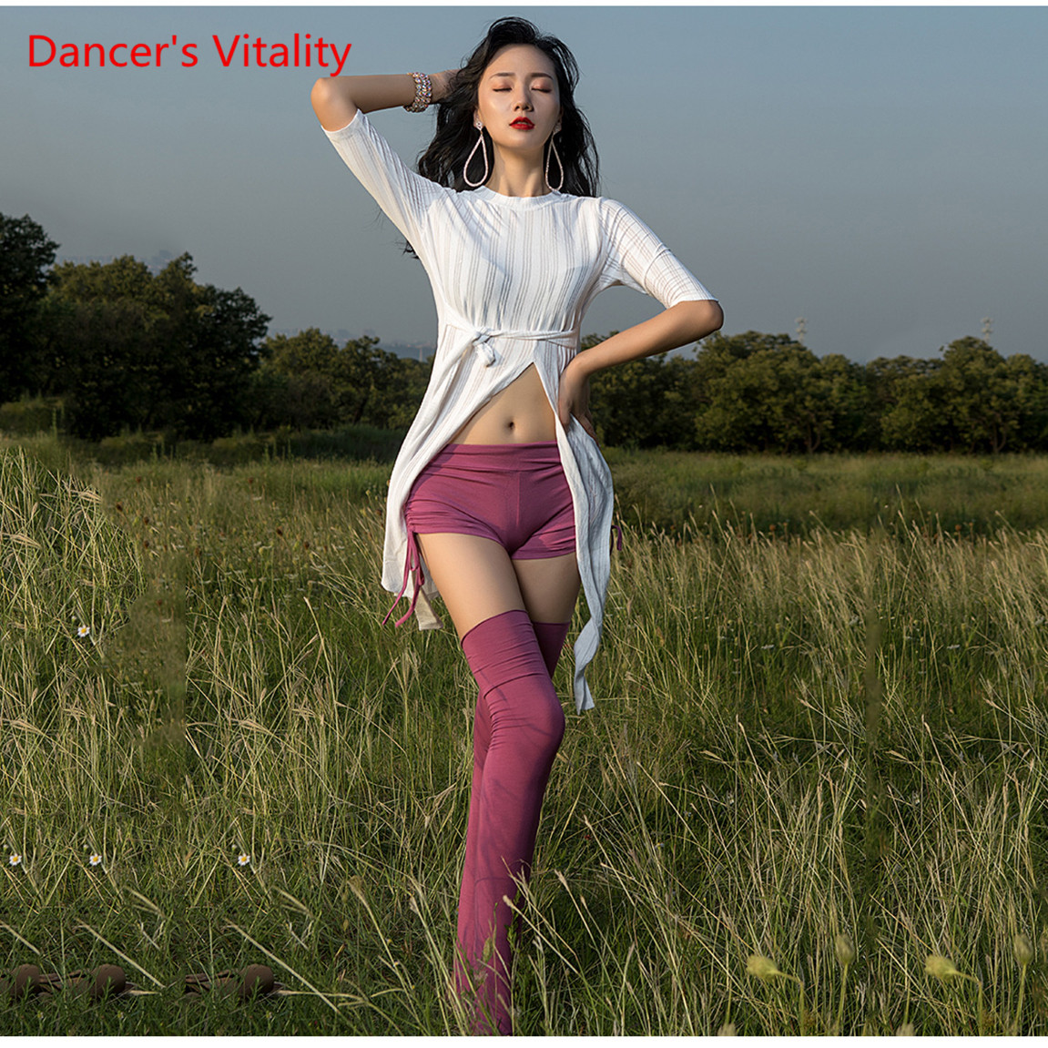 Belly Dance Practice Clothes Split Sexy Top Mid-Sleeve Shirt Shorts Socks Belly Dance Dance Dress Free Delivery