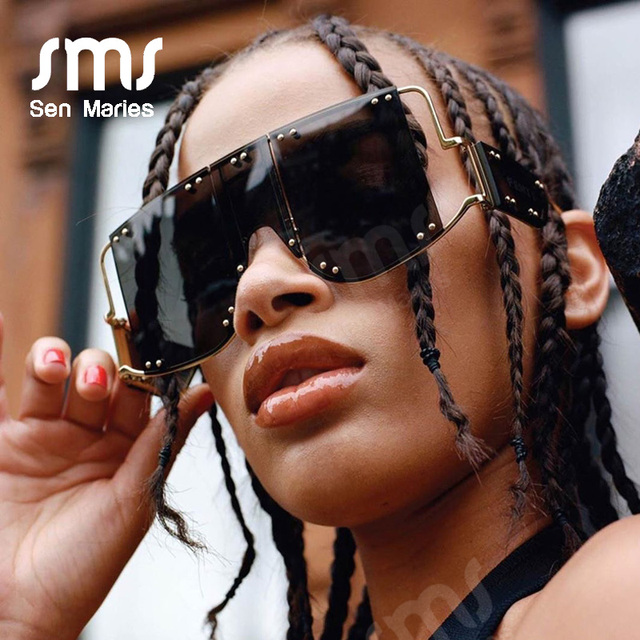 Fashion Square Sunglasses Women New Oversized Mirror Men Shades Glasses Luxury Brand Metal Rivet Trend Unique Female Eyewear 2