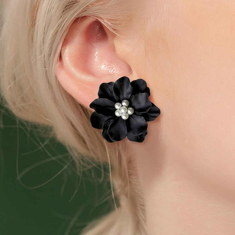 Sexy Woman Black Flower Earrings Party Club Accessories Ear Stud Earrings Fashion Jewelry Korean Pearl Earrings Moda Mujer 2019