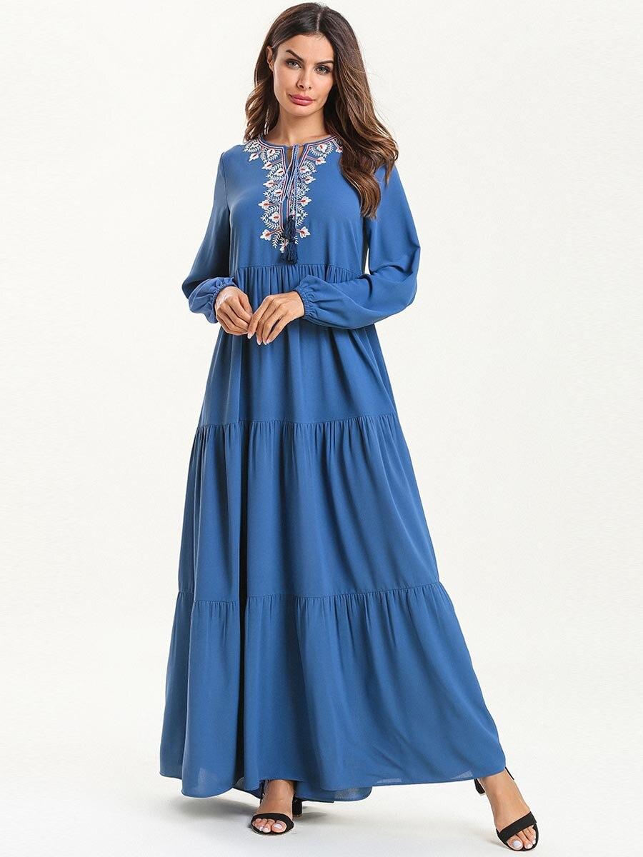 Female Abaya Dubai Women Muslim Dress Embroidered Maxi Long Dress Dubai Abaya Robe Islam Kaftan Long Sleeve Muslim Dress SL1495