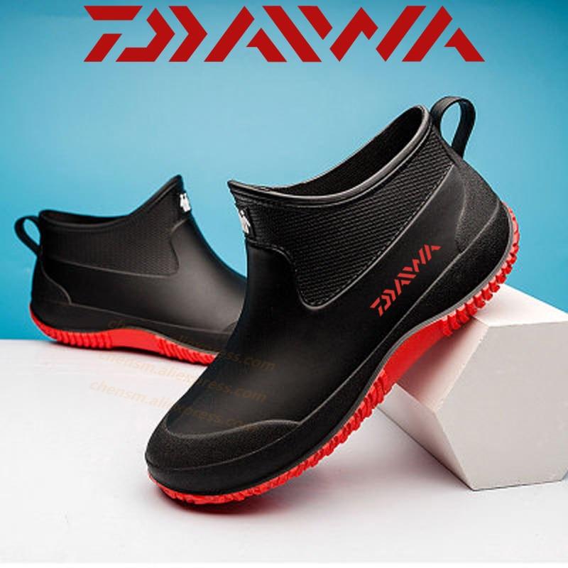 Daiwa 2020 Non-slip Outdoor Shoes New Warm Waterproof Fishing Shoes DAWA Fashion Rain Boots Outdoor Shoes Size 35-44