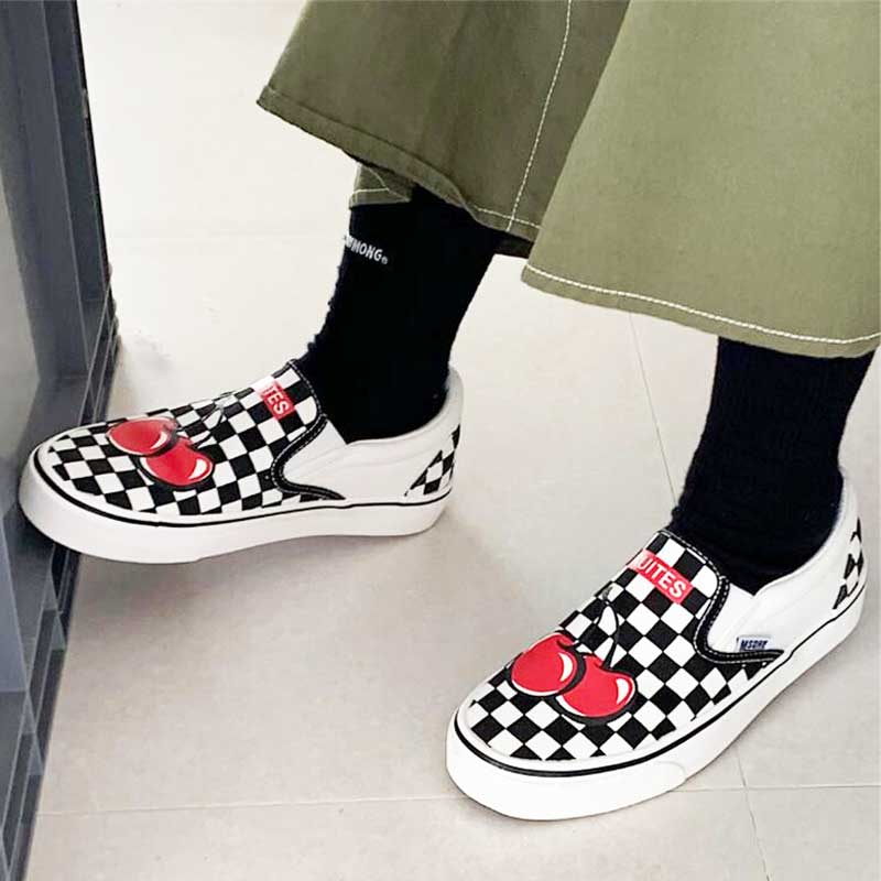 QGXSSHI Slip On Flat Canvas Shoes Women Checkered Vulcanize Shoes 2019 Black White Plaid Female Casual Loafers Ladies Lazy Shoes