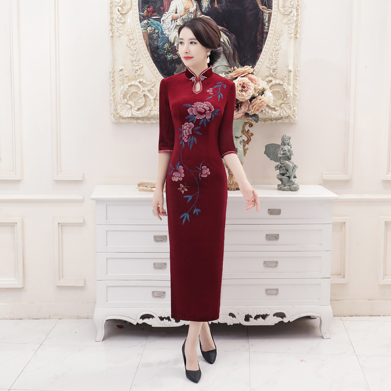 T0044 Autumn And Winter New Style Velvet Cheongsam Long Improved Large Size Middle-aged Women Dress Daily Life Banquet Costume D