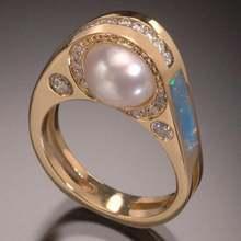 Круглый жемчуг в богемном стиле с украшением виде кристаллов