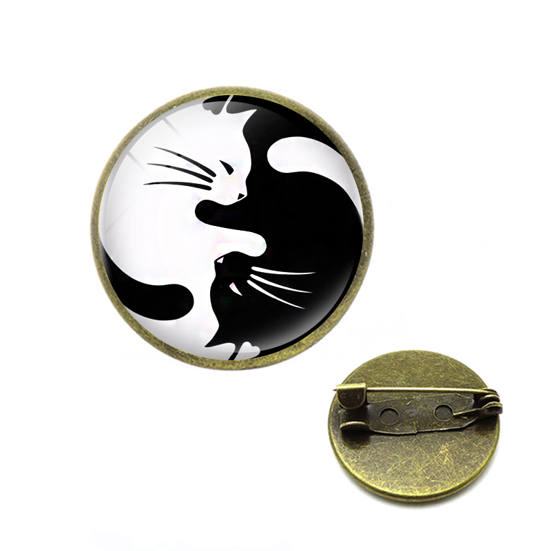 Witch Cat Brooches Black and White Yin Yang Pins Moon and Star Hugging Cat Sleeping Kitty Brooch Witchcraft Magic Lapel Pins