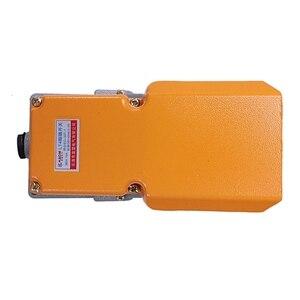 Image 3 - New LT4 Voetschakelaar Aluminium Case Treadle Voetpedalen Voor Machine Tool Control Zilver Contact