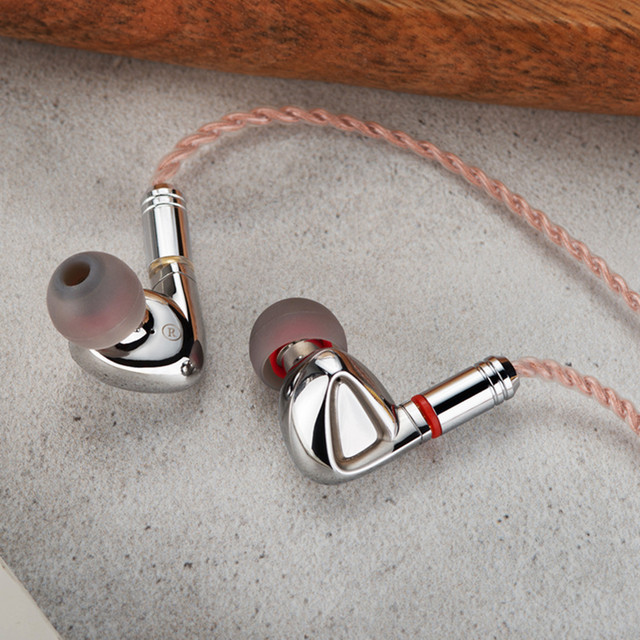 TINHiFi P1 10mm Planar-Diaphragm Driver in-Ear Earphones Hifi Earphone with Detachable MMCX Cable TINHIFI T2 P1 T3 T2 PRO T4 1