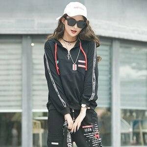 Image 4 - MAX Luluฤดูใบไม้ผลิ 2020 แฟชั่นยุโรปสุภาพสตรีฟิตเนสเสื้อและกางเกงสตรีสองชิ้นHooded Casualพิมพ์ชุด