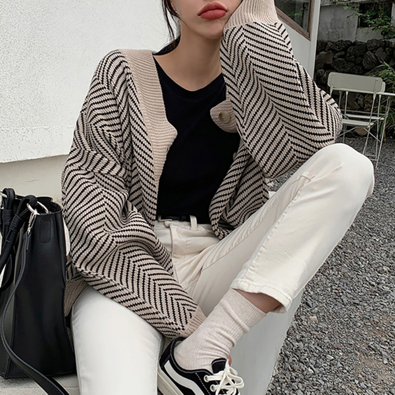 Knitted Striped Cardigan Sweater Women Fashion Patchwork Top Autumn Winter 2019 Long Sleeve Casual Outwears V Neck Buttons Coat