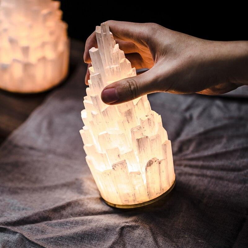 Moderno Regalo di Colore Di Natale HA CONDOTTO LA Luce di Notte lampada Da Comodino Romantico Piramide Minerale Carica USB Touch Sensor Lampade Della Decorazione del Regalo