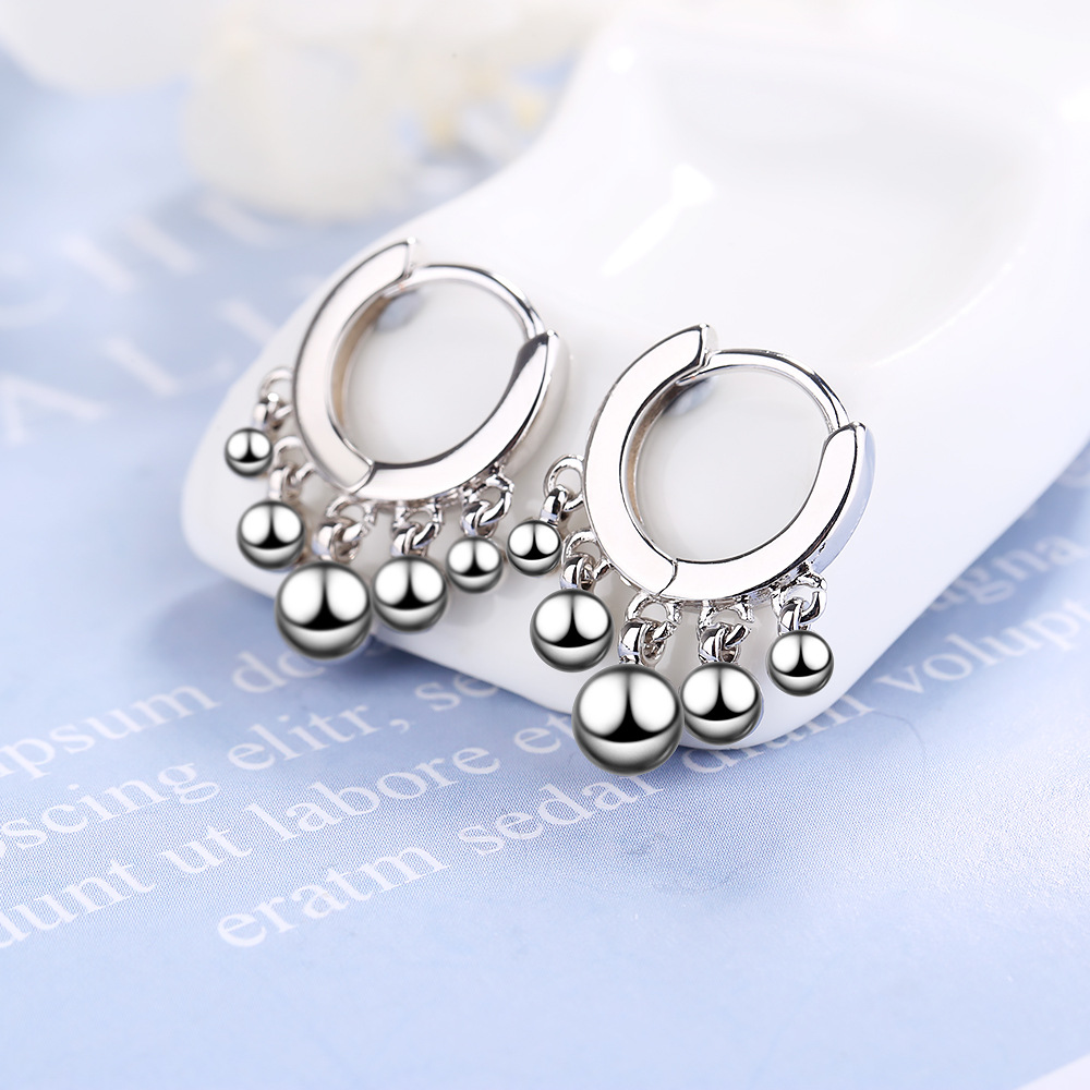 Earrings women's Japanese style simple light bead small ear buckle versatile short cute temperament ear jewelry