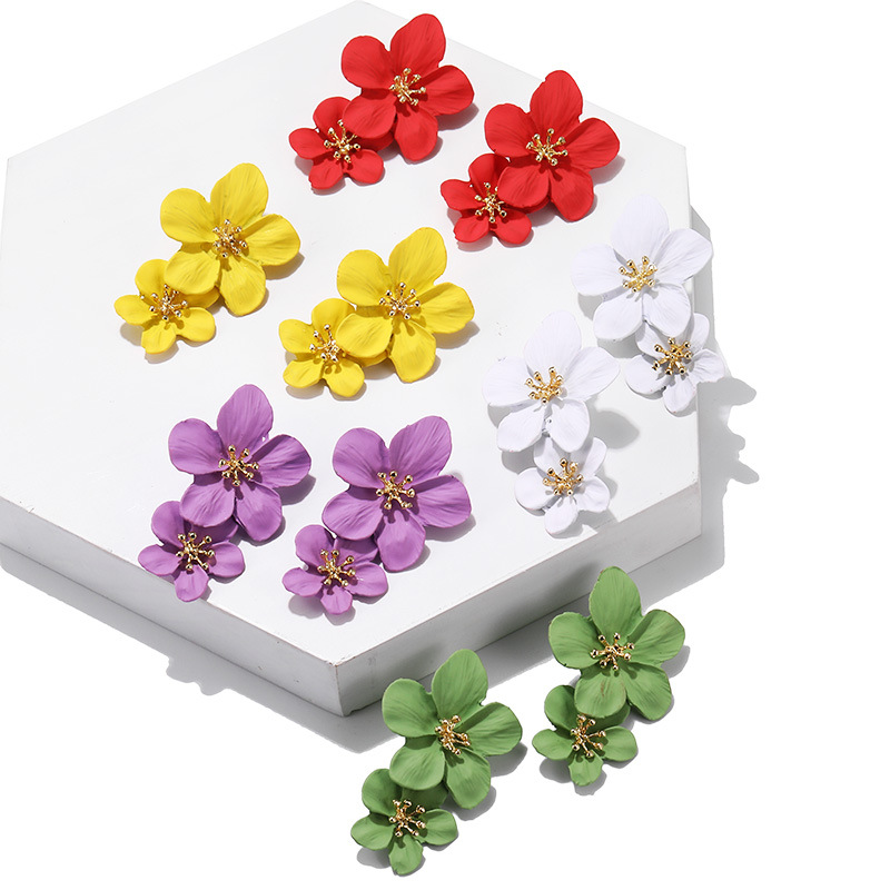 Personality elegant Flower pattern Fashion Stud Earrings Trend Women's Earrings exquisite High Quality 2019 New Earrings