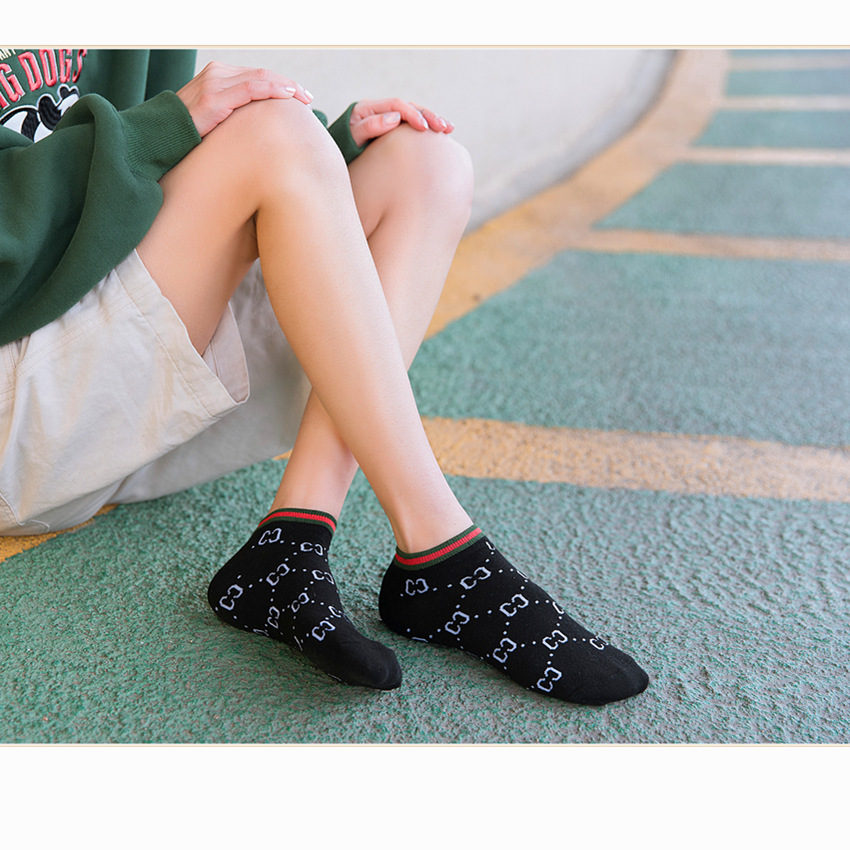 2020 Women's Lettered CC Fashion Comfortable No-show Socks Spring And Summer Cotton Socks Fashion And Personality Fashion Socks