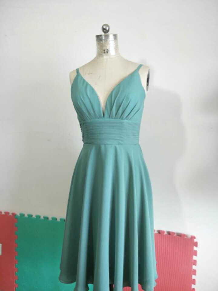 Vintage A-Line Chiffon Short Pleated Bridesmaid Dresses with Pockets V-Neck Custom Lace Up Formal Wedding Party Dresses