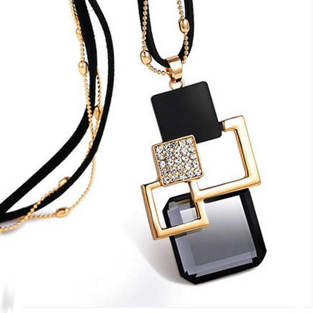 excellent long necklace with a statement accent 5