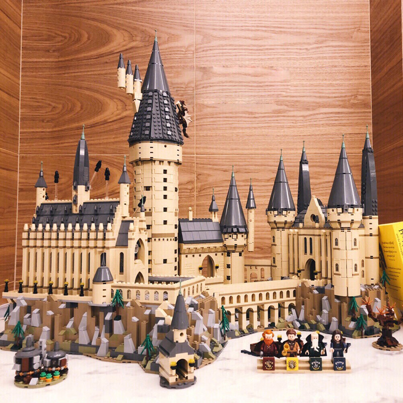 6742Pcs Compatibile legoinglys 16060 Castello modello Movie Magic Castle Modello Building Block Mattoni Giocattoli Per Bambini Regalo di città 71043