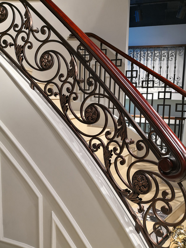 Hench Shanghai Factory Hot Sale Indoor Outdoor Wrought Iron Balcony  Iron Balustrades