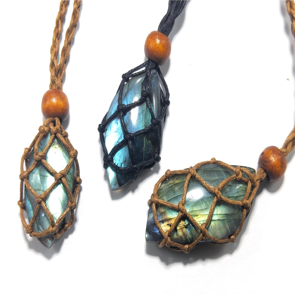 С украшением в виде кристаллов Камень & ожерелье
