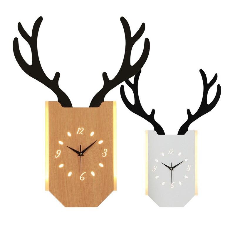 Mur LED nordique bois clair horloge applique lampe moderne créatif cerf bois lampes salon chambre chevet suspendu horloge décor