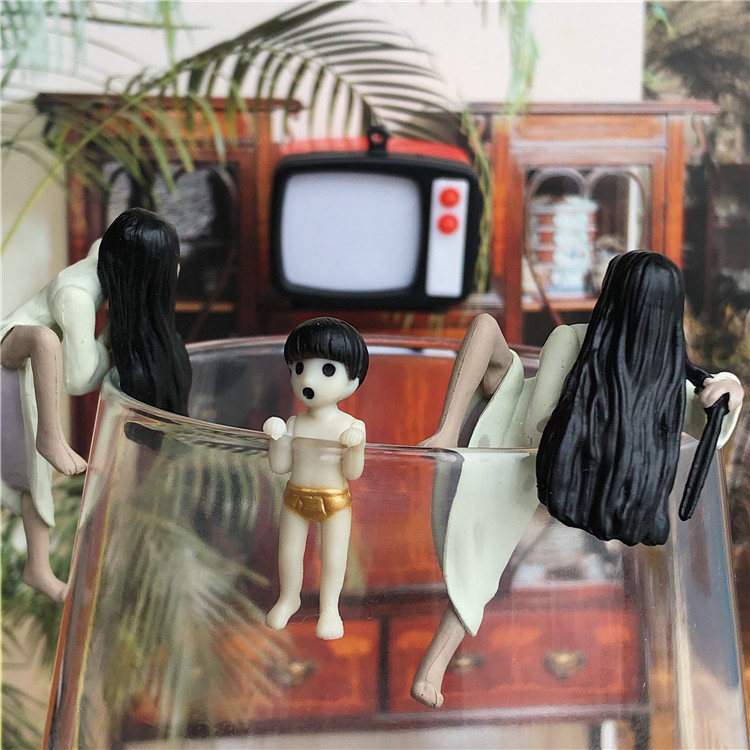 Original Classic Toy 3.5-5cm Horror Movies: Ring - Yamamura Sadako Cup Hold PVC Action Figure Collectible Model Loose Toy