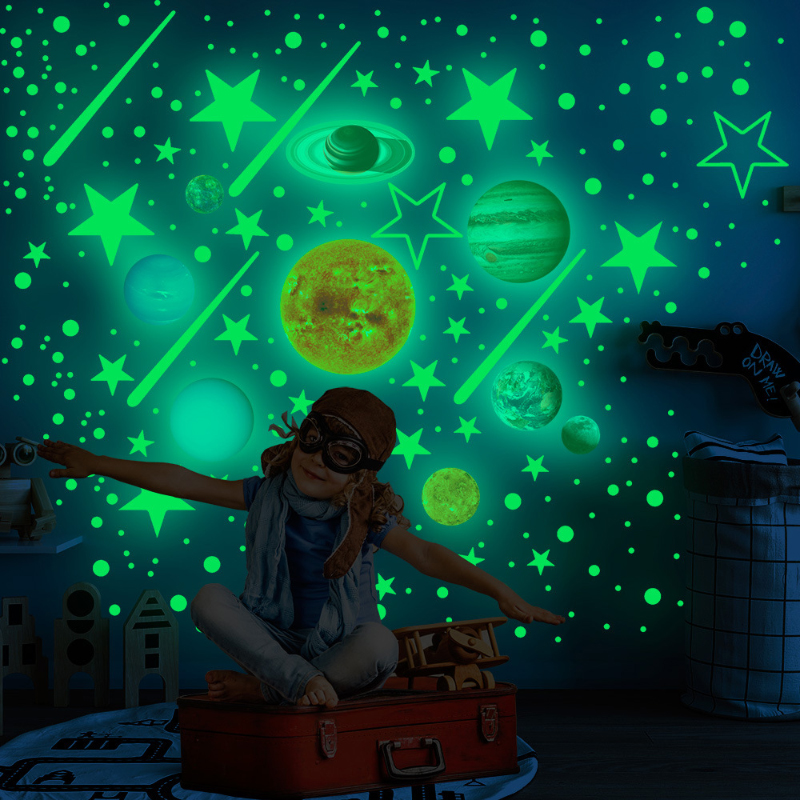 525pcs / set Moon Stars Dots Green Luminous Wall Decal Kids Bedroom Ceiling Stairs Decoration Fluorescent Mural Decals