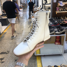 Ботинки martin; Новинка года; повседневные короткие ботинки с квадратным носком, на шнуровке, с боковой молнией, на плоской подошве; Женская обувь в британском стиле