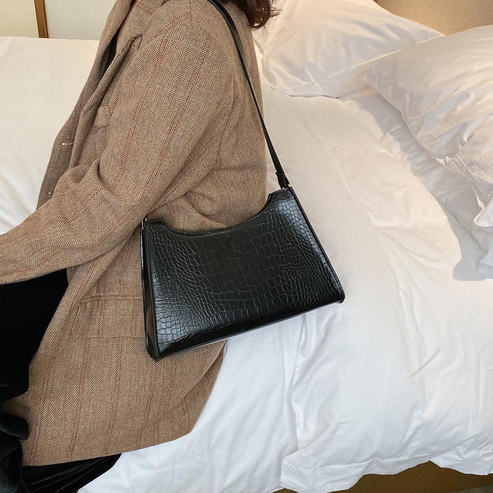 Women Handbag Retro Alligator Subaxillary Bag Vintage Small Triangle Square Bags Leather Retro Shoulder Bag Solid Color Tote