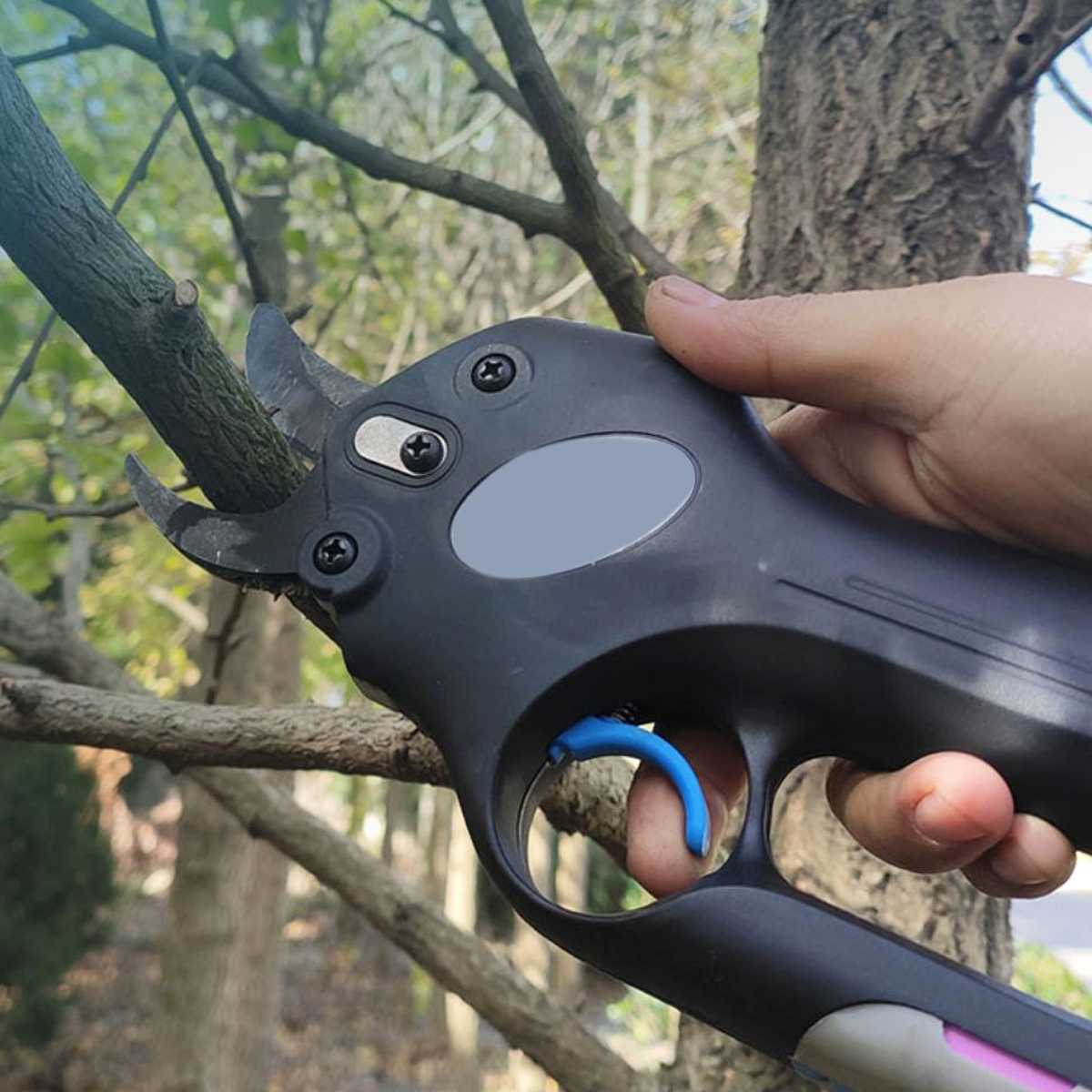 12V Wireless Electric Rechargeable Garden Scissors for Pruning Branches and stems with 4 Li-ion Battery 7