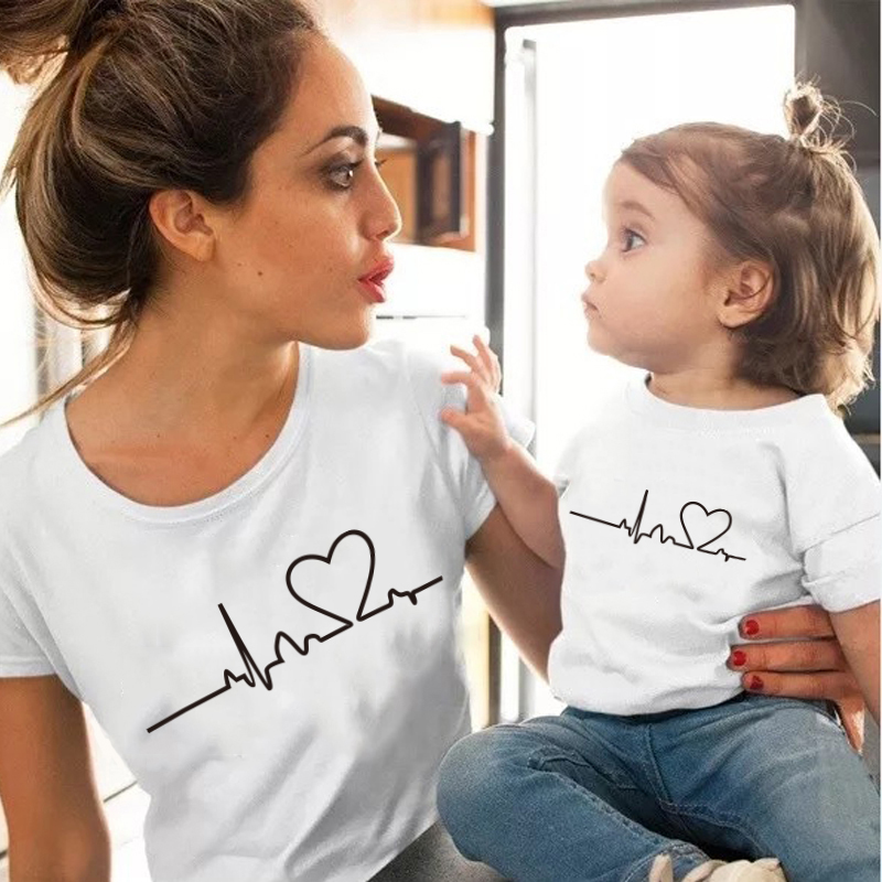 Fashion Heartbeat Love Mommy And Me Clothes Tshirt Cotton Short Sleeve Soft White Black Mother And Daughter Clothes Family Look