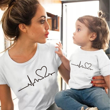 Fashion heartbeat love mommy and me clothes tshirt Cotton Short Sleeve Soft White black mother and daughter clothes Family Look татуировка переводная heartbeat